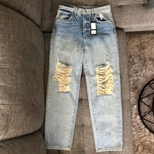 NEW $238 Carmar high waist boyfriend jeans 26